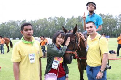 เรื่องราวของม้า พาเยาวชนด้อยโอกาสทางสายตาศึกษาเรื่องราวของม้า