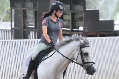 พร้อมประกาศ สัมพันธ์กีฬาขี่ม้า คุมเข้มโรคระบาด สั่งเลื่อนเวลาหยุดแข่งขันในประเทศ